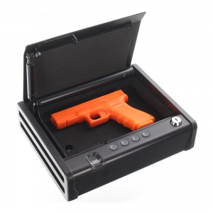 Gunmaster - 1 pistolet compact en sécurité avec empreintes digitales